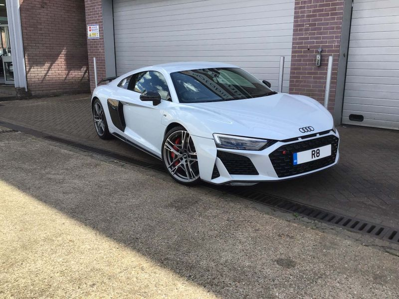 Birminghamlimohire.Audi R8 sports cars hire
