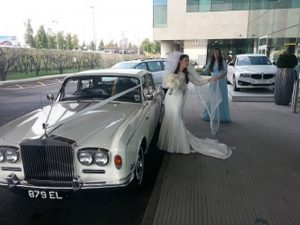 Birmingham limo hire Roll Royce silver Cloud makes you arrival and departure tremendous & grand.